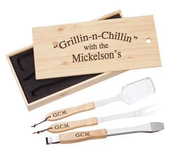 MPI BGS1 BBQ Gift Set shown with engraved lid Maple Finish Pine Box